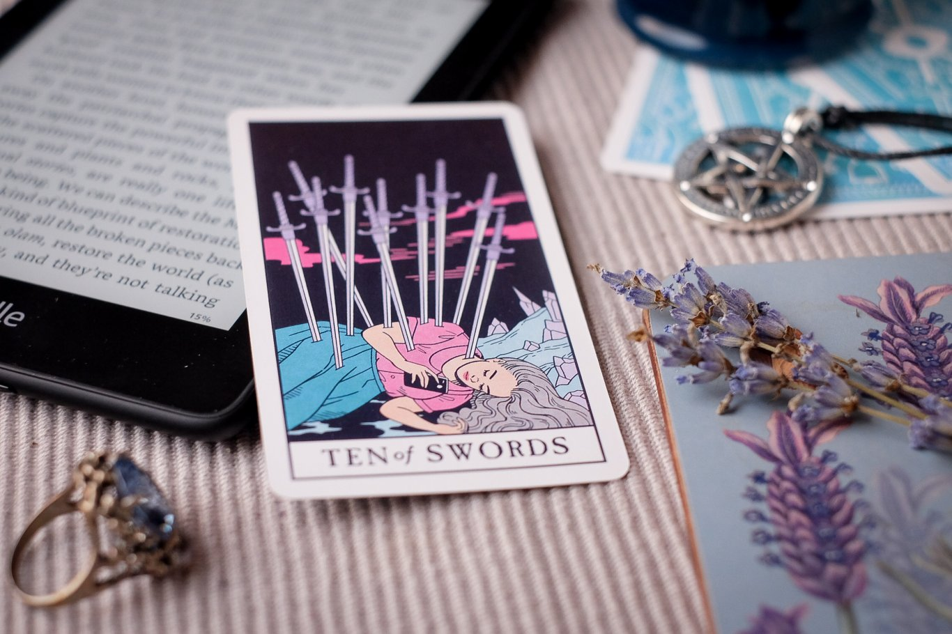 Modern Witch Tarot review